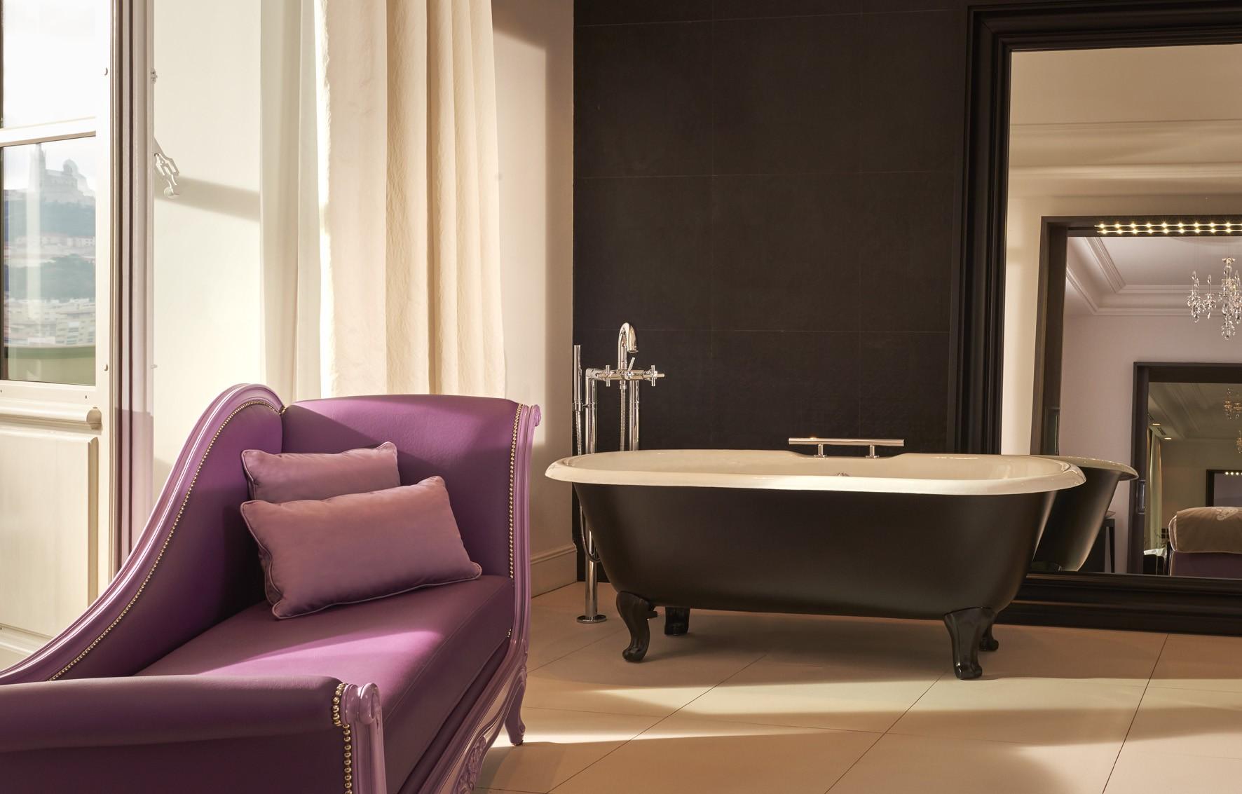 InterContinental-Marseille-Hotel-Dieu-Suite-Presidentielle-salle-de-bain