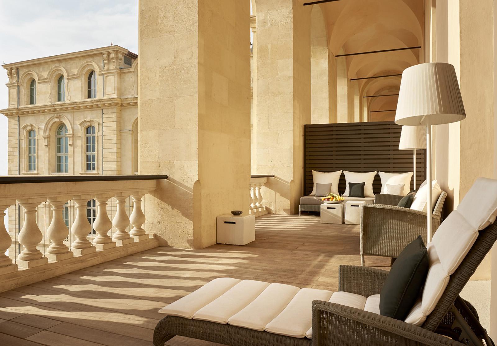 InterContinental-Marseille-Hotel-Dieu-Suite-Presidentielle-terrasse