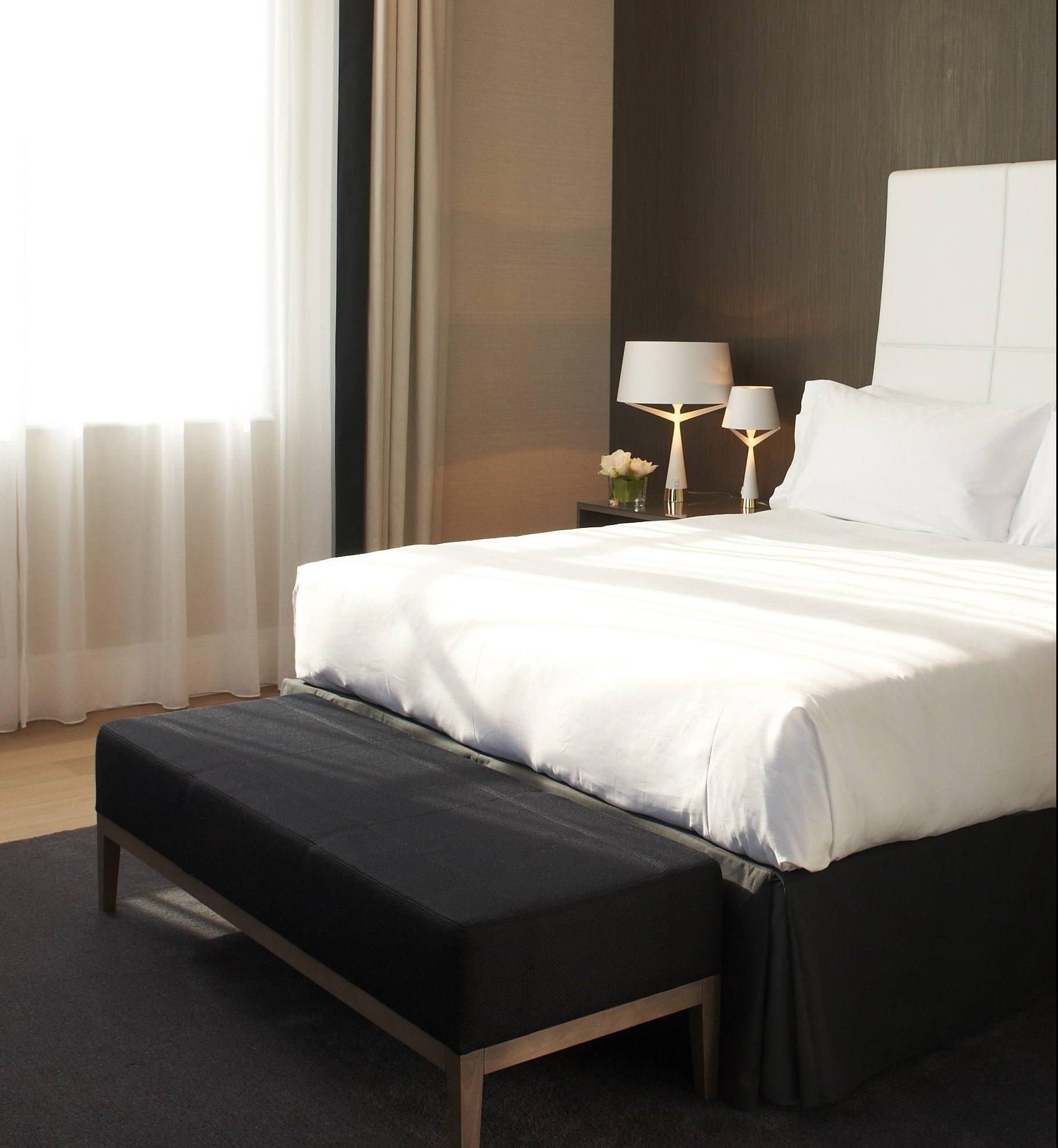 InterContinental-Marseille-Hotel-Dieu-Suite-Prestige-Chambre