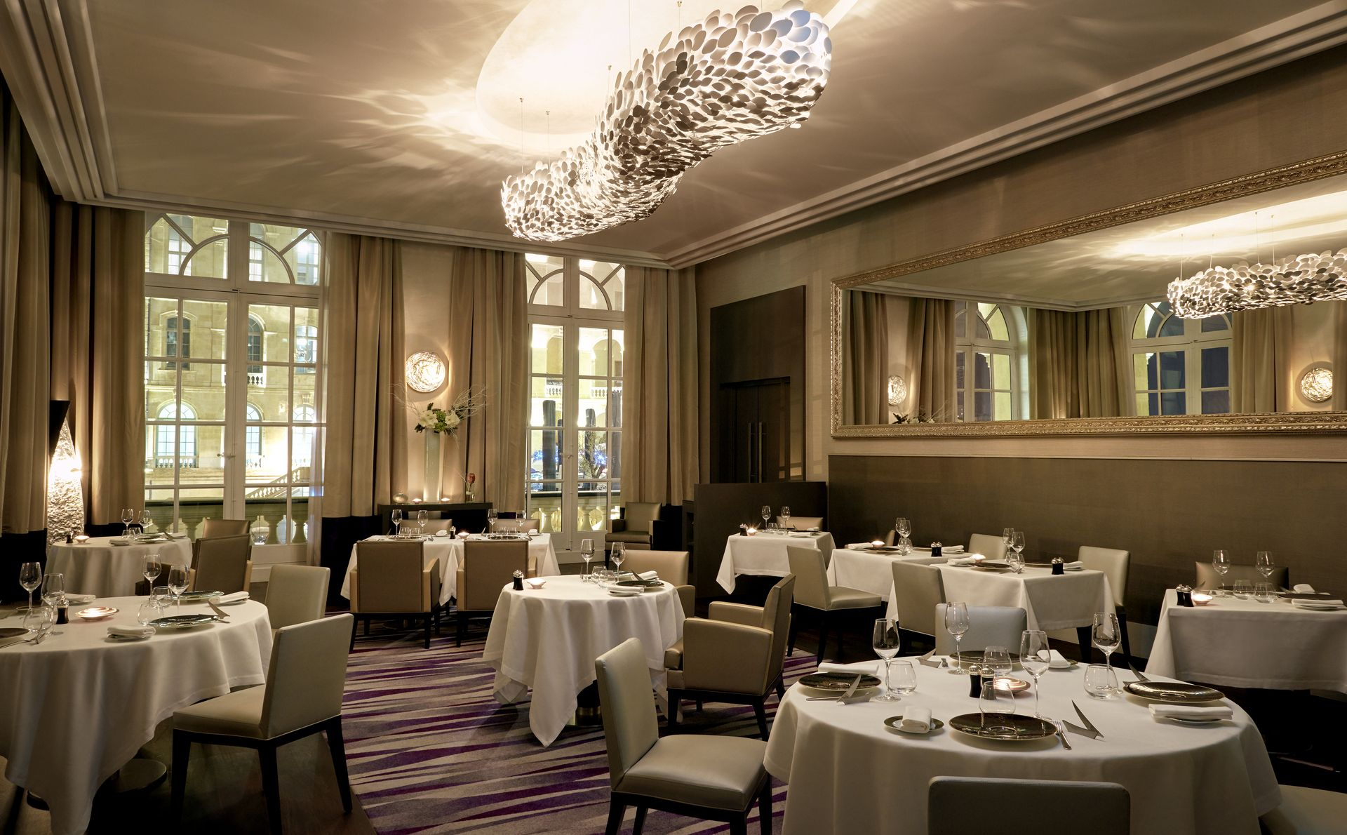 InterContinental-Marseille-Hotel-Alcyone-restaurant