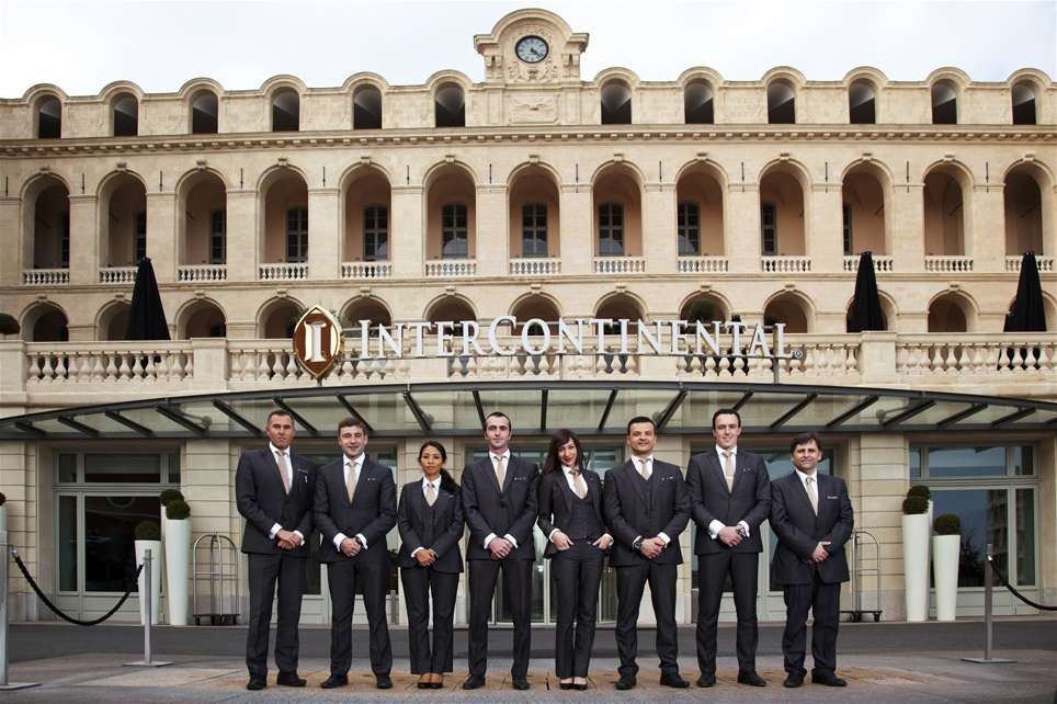 InterContinental-Marseille-Hotel-Dieu-concierges